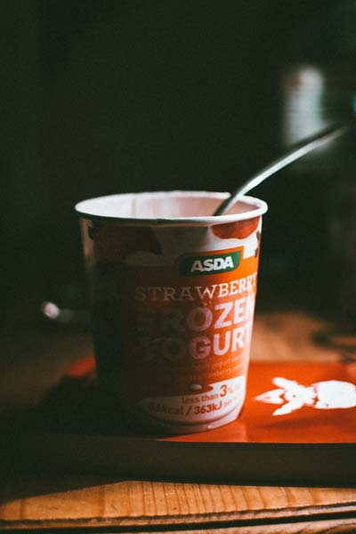 fat-free strawberry yogurt - a food to avoid for weight loss